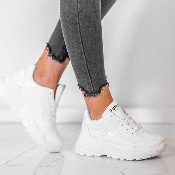 3c8bf8e63c5588 Białe lakierowane buty sportowe Holly- Obuwie - Biały | Royalfashion.pl -  sklep z butami online