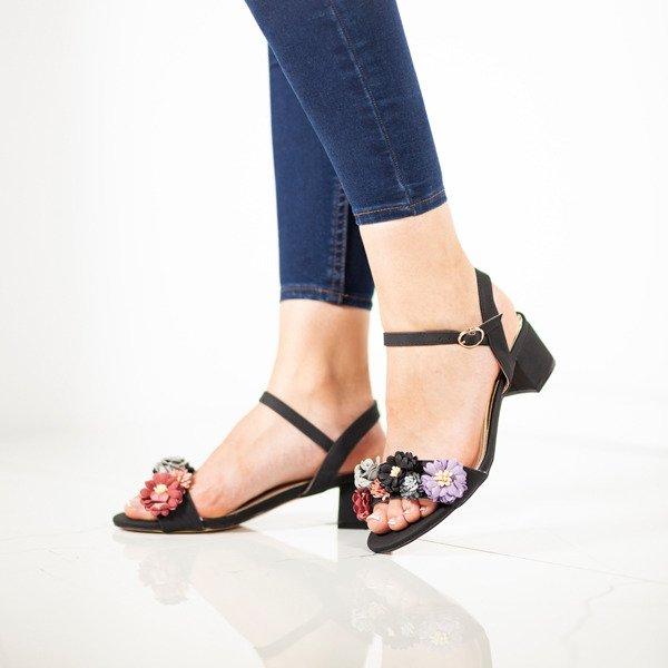 5089ba5a66cc8 Czarne sandały na niskim słupku z kwiatami Padi - Obuwie