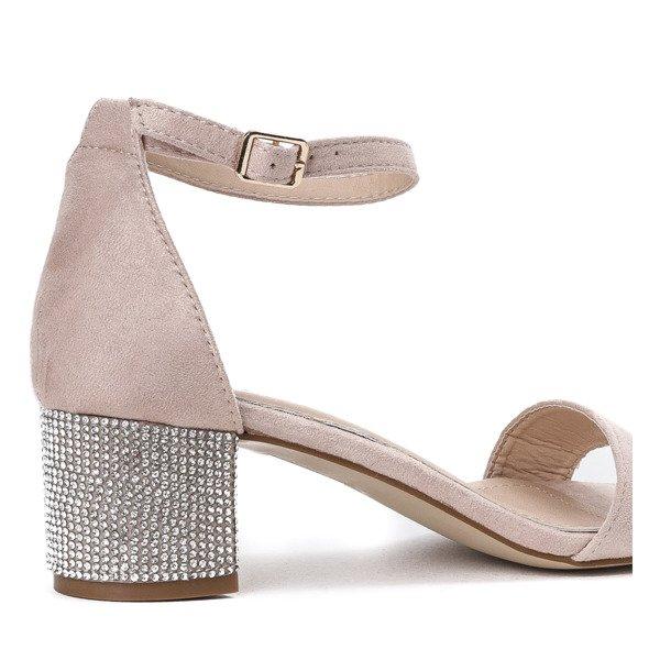 a4120917f7e34 Kliknij, aby powiększyć · Beżowe sandały na słupku z ozdobnymi cyrkoniami  Olifa - Obuwie Kliknij, ...