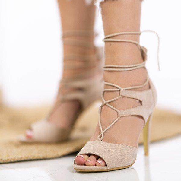 ce9ff577 Beżowe sandały na szpilce z wiązaniami Lyn - Obuwie - Beżowy ...