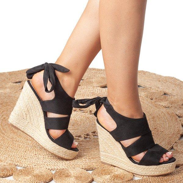 31f04832 Czarne sandały na koturnie z cholewką Matilde - Obuwie Kliknij, aby  powiększyć ...