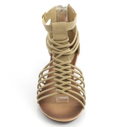 Beżowe sandały na niskiej koturnie ze skóry ekologicznej Uasswerra - Obuwie