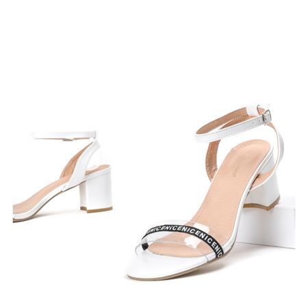 Białe sandały na słupku z przezroczystą wstawką Angelita - Obuwie