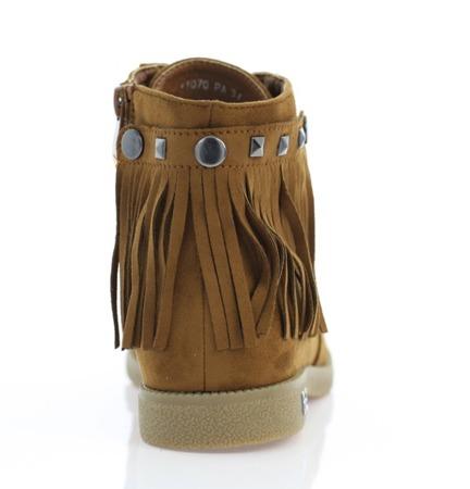 Botki zamszowe z frędzlami- kolor camel - Obuwie