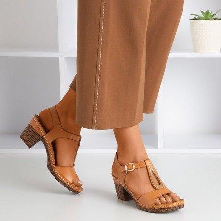 Brązowe sandały na słupku Assinel - Obuwie