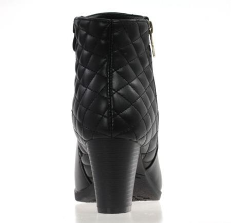 Czarne botki na słupku z pikowaniem - Obuwie