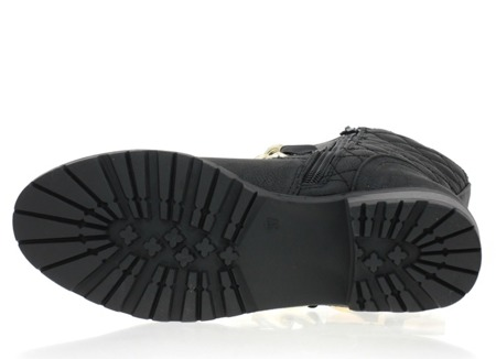 Czarne botki z ozdobnym łańcuszkiem - Obuwie