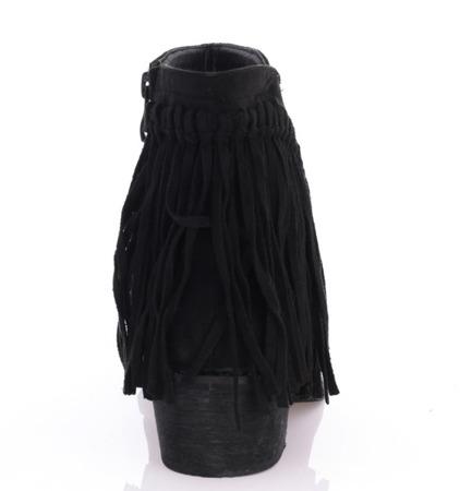 Czarne botki zamszowe z frędzlami - Obuwie