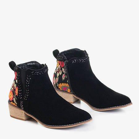 Czarne damskie botki z ozdobnym haftem Helnika - Obuwie