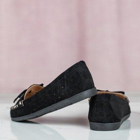 Czarne mokasyny z ażurową cholewką Wikiss - Obuwie