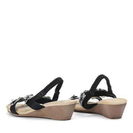 Czarne sandały na niskiej koturnie Miriam - Obuwie