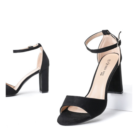 Czarne sandały na słupku Reina - Obuwie