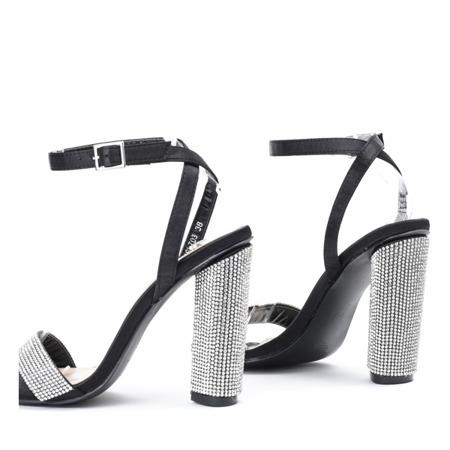 Czarne sandały na słupku z cyrkoniami Larra - Obuwie