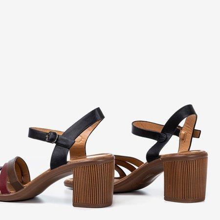 Czarne sandały na wyższym słupku z kolorowymi paseczkami Ghilea - Obuwie