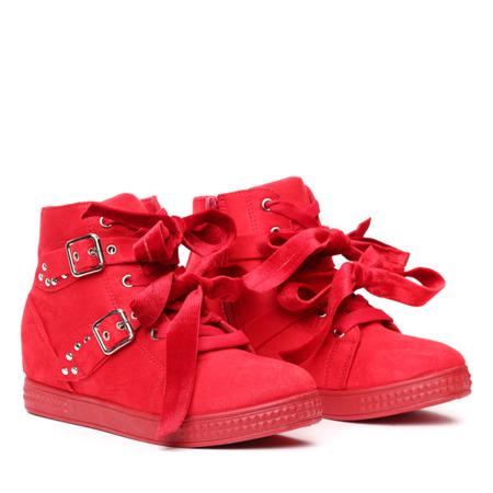 Czerwone sneakersy na koturnie z ćwiekami - Obuwie