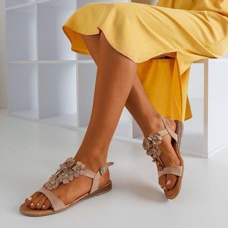 Jasnobrązowe damskie sandały z kwiatami Madlen - Obuwie