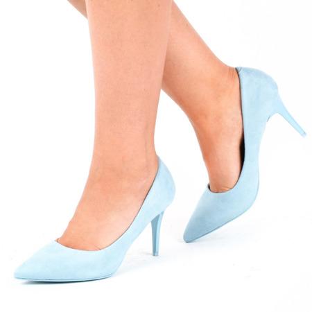 Niebieskie klasyczne szpilki Annabella - Obuwie