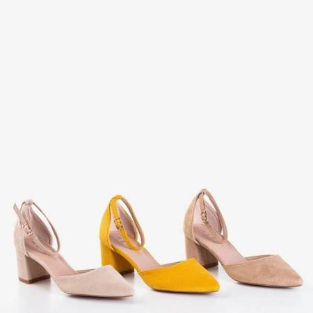 OUTLET Musztardowe sandały na wyższym słupku Vispane - Obuwie