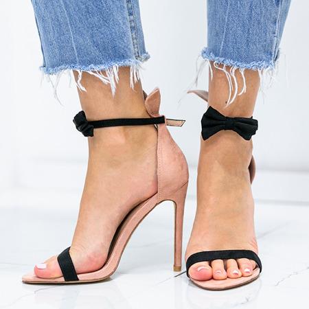 Różowe sandały na szpilce z czarną kokardką i uszami Poppy - Obuwie