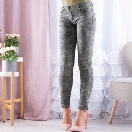 Zielone jeansy ze wzorem moro - Spodnie