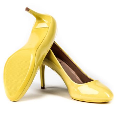 Żółte lakierowane szpilki - Obuwie
