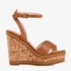Brązowe sandały na wyższej koturnie Erika- Obuwie