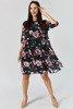 Czarna sukienka przed kolano w kwiatki - Odzież